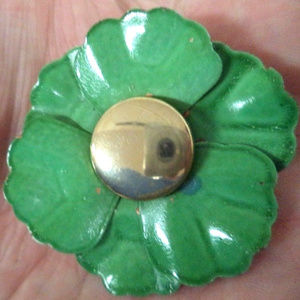 vintage green enamel flower brooch pin